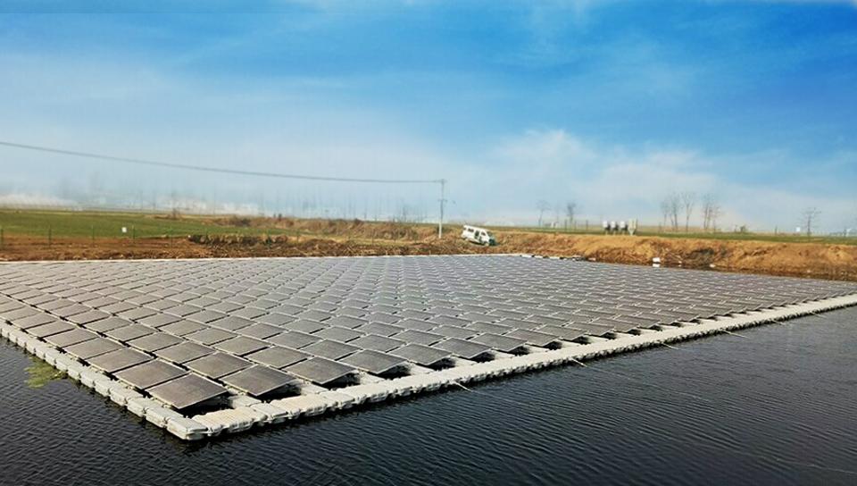 阳光浮体产品助力全国首个漂浮式光伏扶贫电站并网
