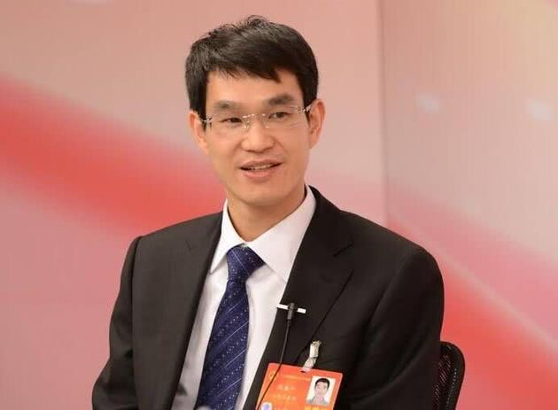 【两会】全国人大代表、晶科能源CEO陈康平:建议财政部出台配套政策 加大力度兑付光伏拖欠补贴