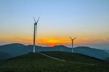 多地放缓风光开发建设用意何在?