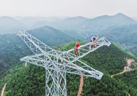 """广西电网公司为重大项目建设输入""""电动力"""""""
