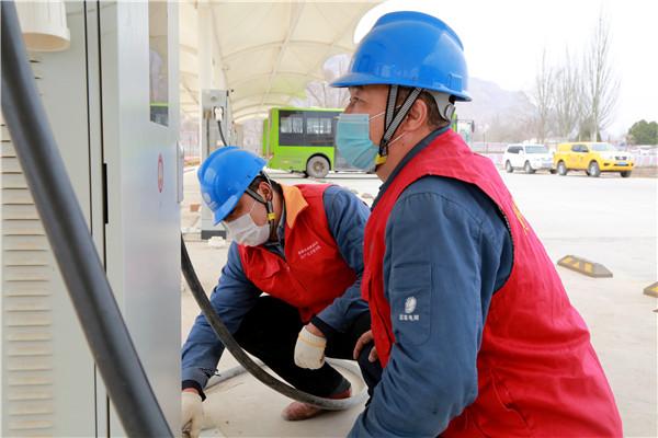 国网黄化供电公司高效服务助力城乡电动公交运营