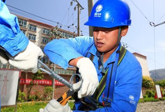 青春无悔输电人——记国网黄化供电公司输电室二班班长杜伟