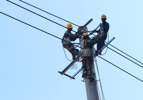 湖南宁远:新建10千伏线路 保障全县用电需求