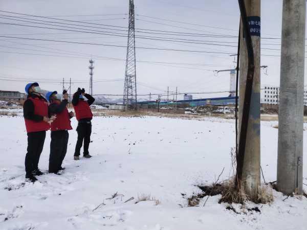 国网青海黄化化隆县供电公司五月飞雪  电力护航