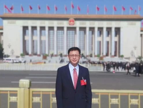 【两会】人大代表、乐山太阳能研究院院长姜希猛:建议实施人人光伏发展战略