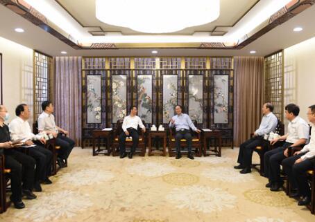 毛伟明、辛保安会见甘肃省长唐仁健