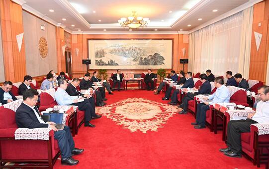 国家电投党组副书记、总经理江毅拜会青海省领导并调研黄河公司