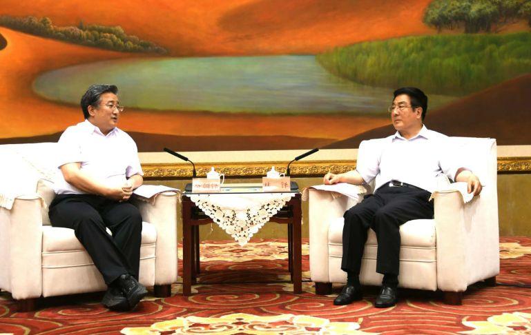 中核集团党组书记、董事长余剑锋与甘肃省委书记林铎会谈