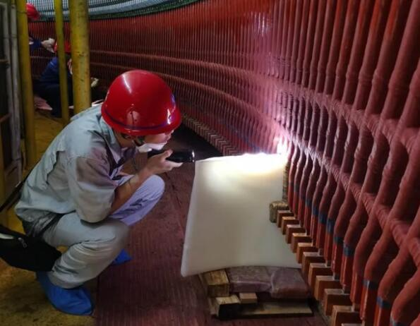 白鹤滩水电站左岸第二台百万千瓦水轮发电机组定子下层线棒一次性通过交流耐压试验