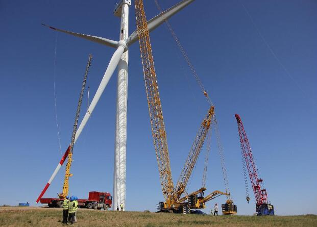 内蒙古阿巴嘎旗风电项目34台风机安装完成