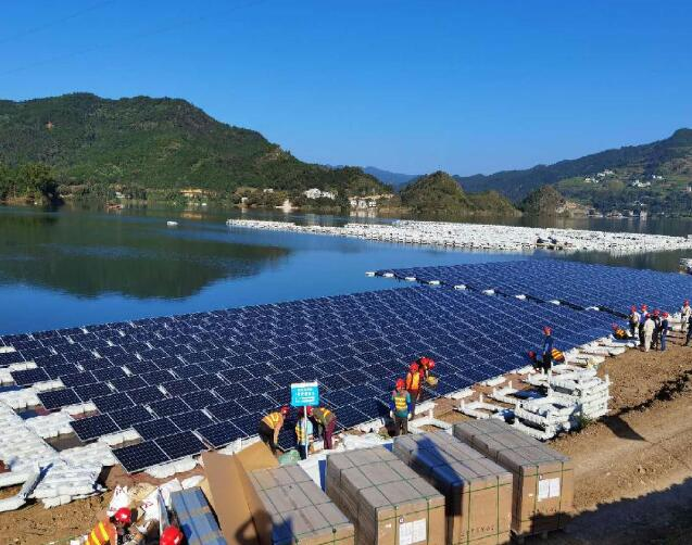 广西桂冠岩滩水光互补光伏发电项目开工