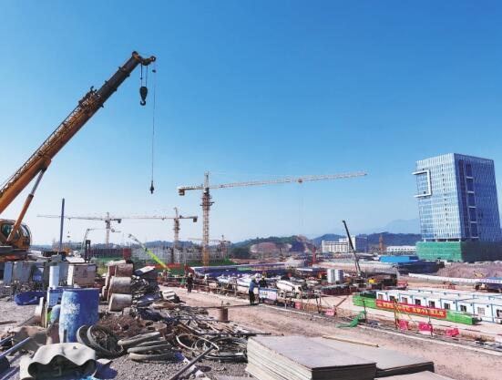 广东河源供电局主动服务助力高铁建设