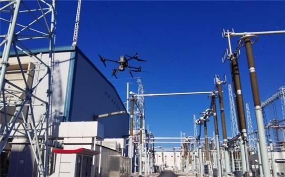 我国实现800千伏电网特高压换流站无人机全自动巡检