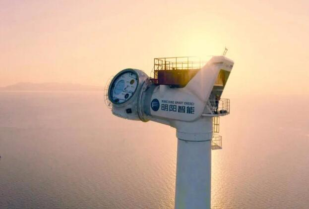 明阳智能海上抗台风机组在福建兴化湾海上风电场顺利完成吊装