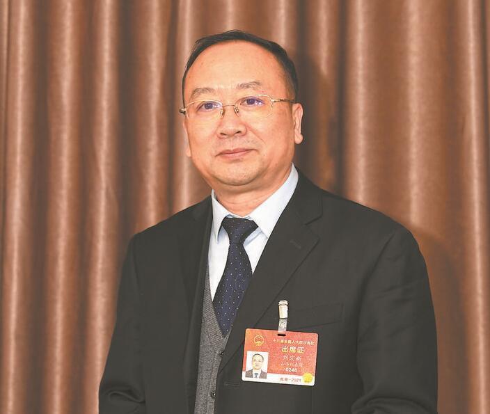 【两会】全国人大代表刘宏新:打造电力外送基地 蹚出转型发展新路