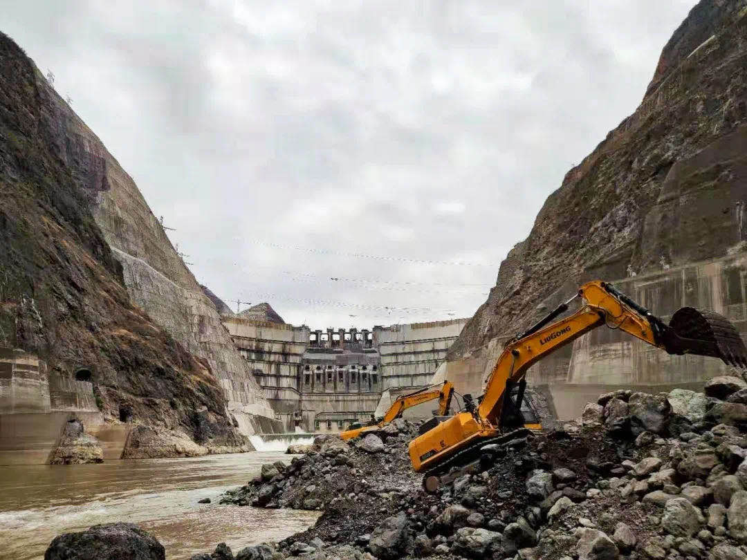 广西柳工挖掘机助力在建世界最大水电工程