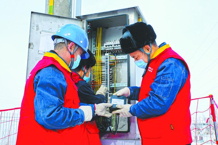 新型直装式二次自动消谐器: 解决电压互感器高压保险丝易熔断问题