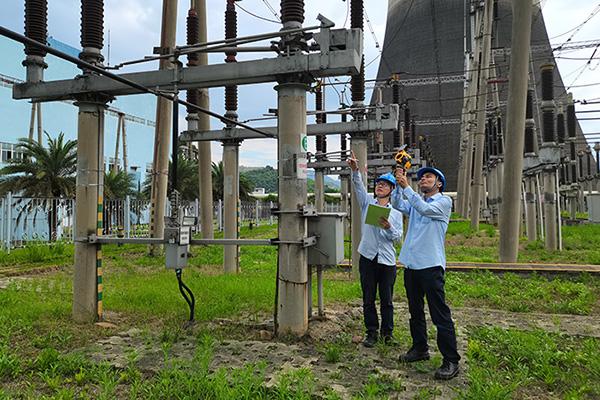 国能龙岩发电公司开展涉网设备热成像测温检查助力迎峰度夏