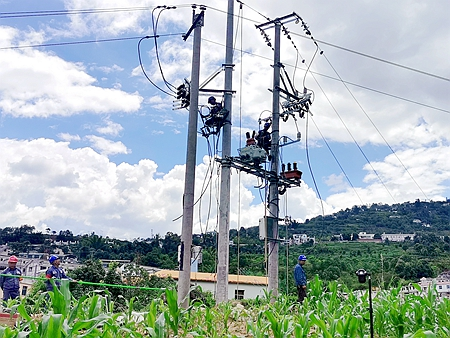小湾供电所配网自动化改造 提升区域内供电可靠性