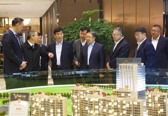 曹培玺到能源交通公司驻南京企业调研
