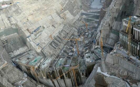 白鹤滩水电站大坝混凝土月浇筑量创新高